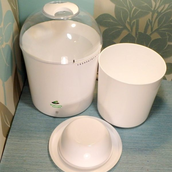 Electric Yoghurt Maker pot removed